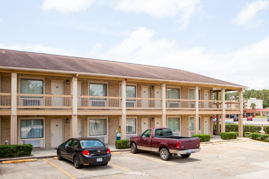 ... 2155 N. 11th St., Beaumont, TX 77703 ...